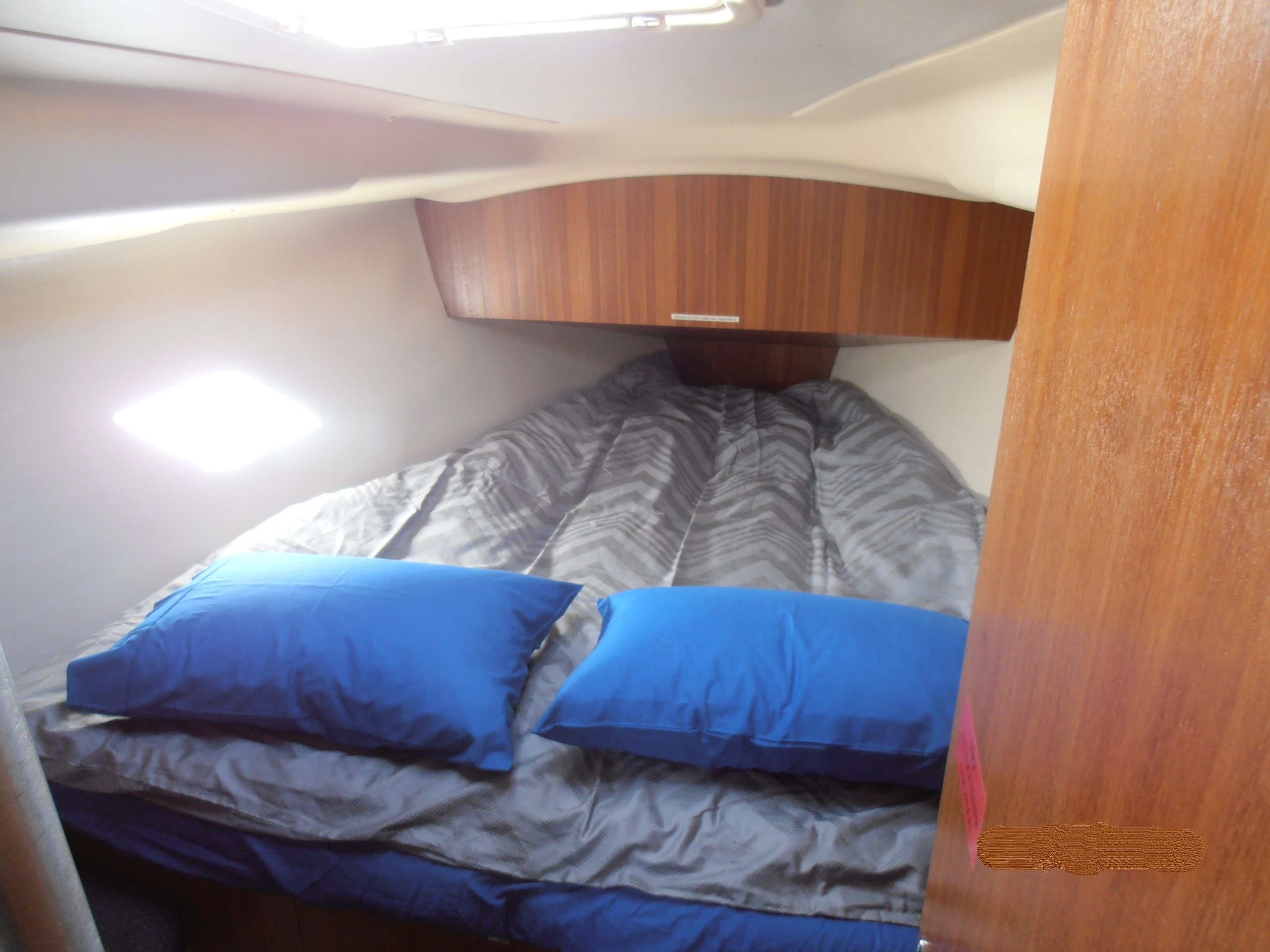 Gidge-front-berth-nodate2
